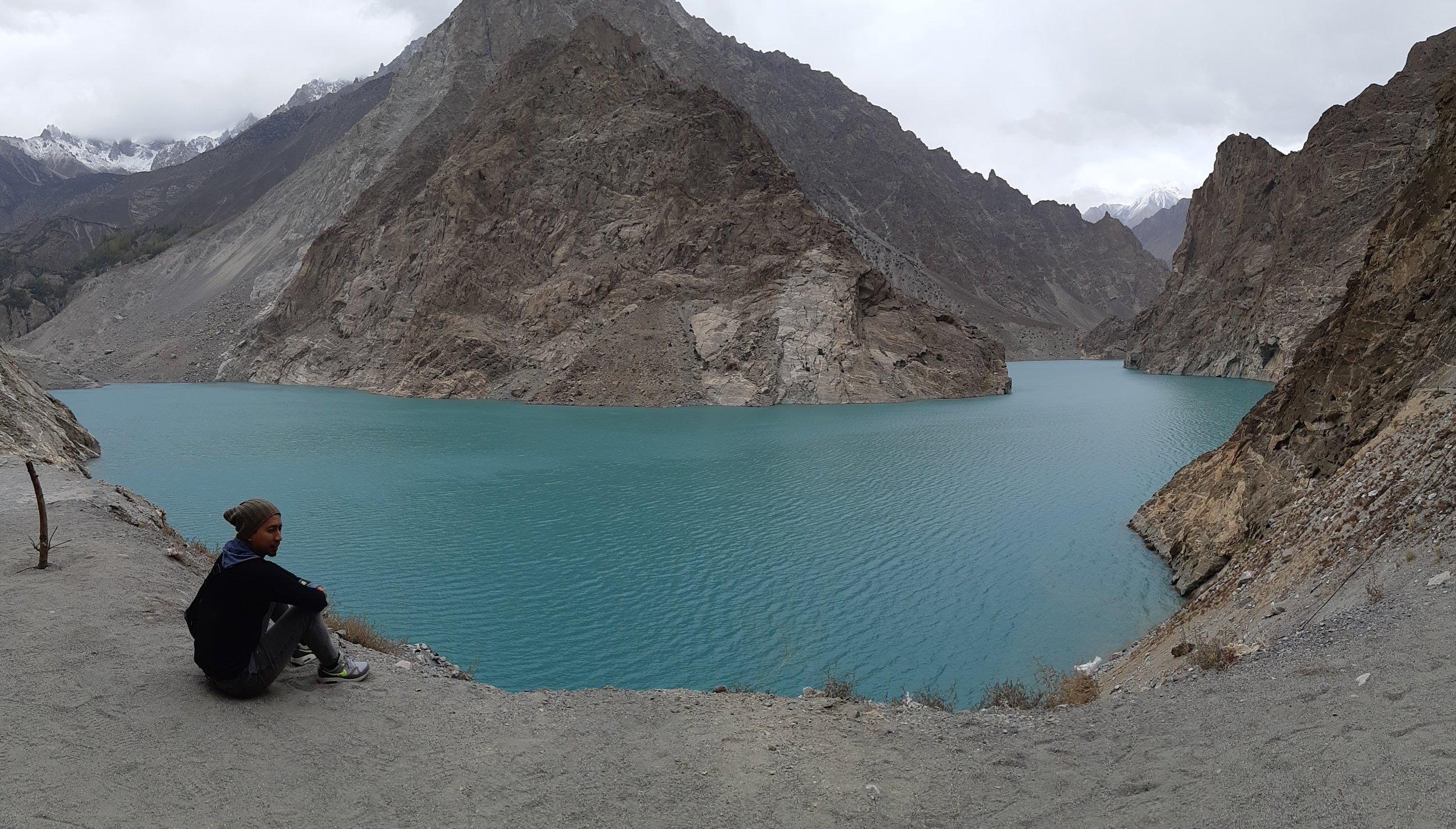 Pakistan lake.jpg