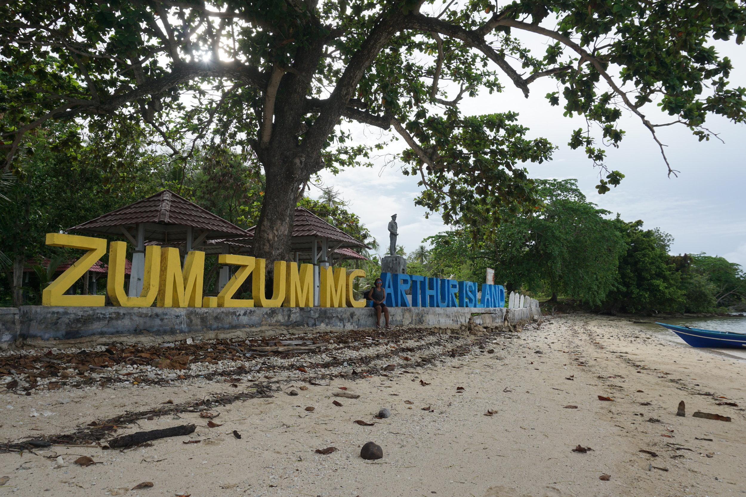 Zum Zum island - Mc Arthur island