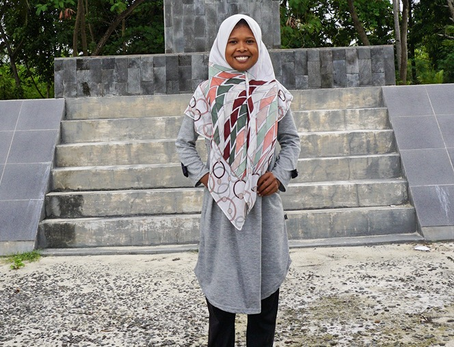 Nurdiana - Our World War II specialist guide who had been working tirelessly in promoting the historical values of the Morotai and Ternate islands. She loves to cook and travel to explore unknown areas.