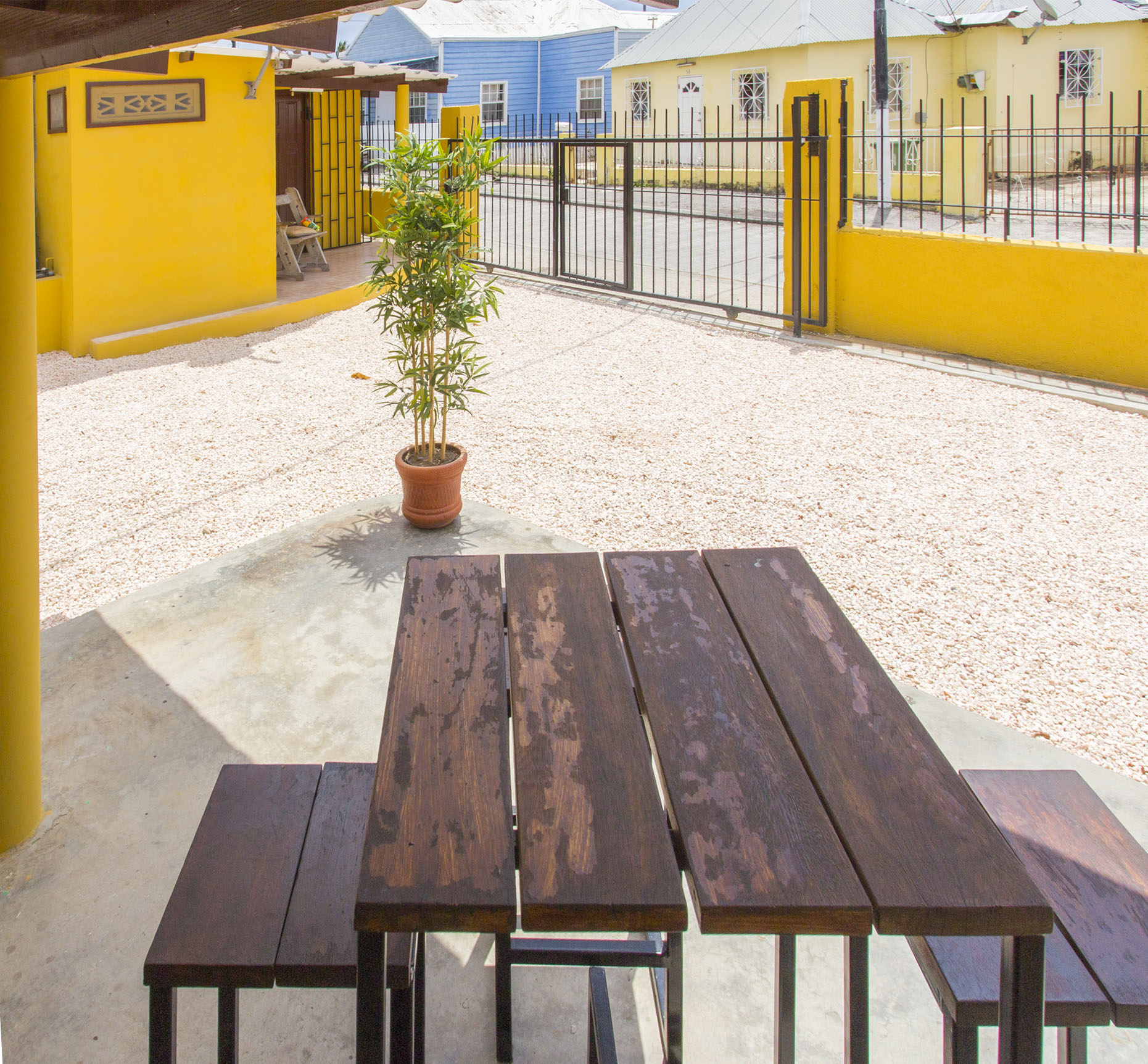 StageDesk-Curaçao-Stagehuis-BergAltena-Pelikaan-huis07.jpg
