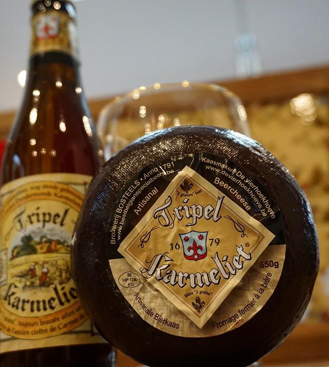Who likes Belgian beer AND cheese?? We do!! 😃. Here is a beer brewed by Bourwerij Bosteels who still use the authentic beer recipe from 1679! By using 3 kinds of grains (wheat, oats and barley) they've created a Triple that has won endless awards, and often described as the best Triple in the world! 🍻 #triplekarmeliet #triplekarmelietcheese #beerandcheese #yum #belgianbeer #brouwerijbosteels #beerandfoodpairing #bierhuisgrandcafe