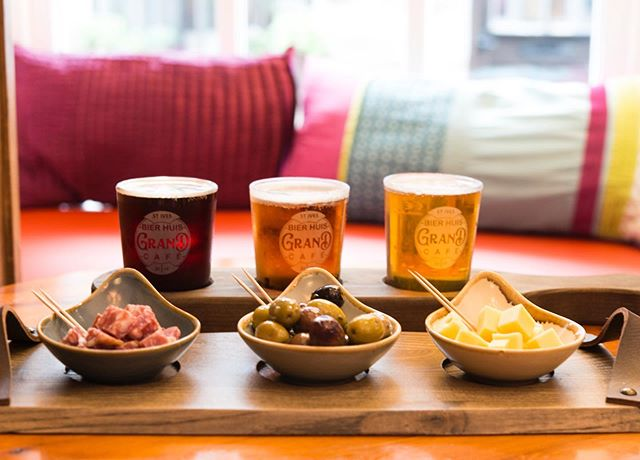 Why not come in and try our tap tasters & nibbles? 😊. Choose 3 1/3rd of our draught beers and select from either cheese, salami & olives or cheese, olives & chilli broad beans. Yum!! 😋🍻 #bierhuisgrandcafe #taptaster&nibbles #delicious #beerhouse #stivescornwall #stives #come&try #belgianinspired #belgium