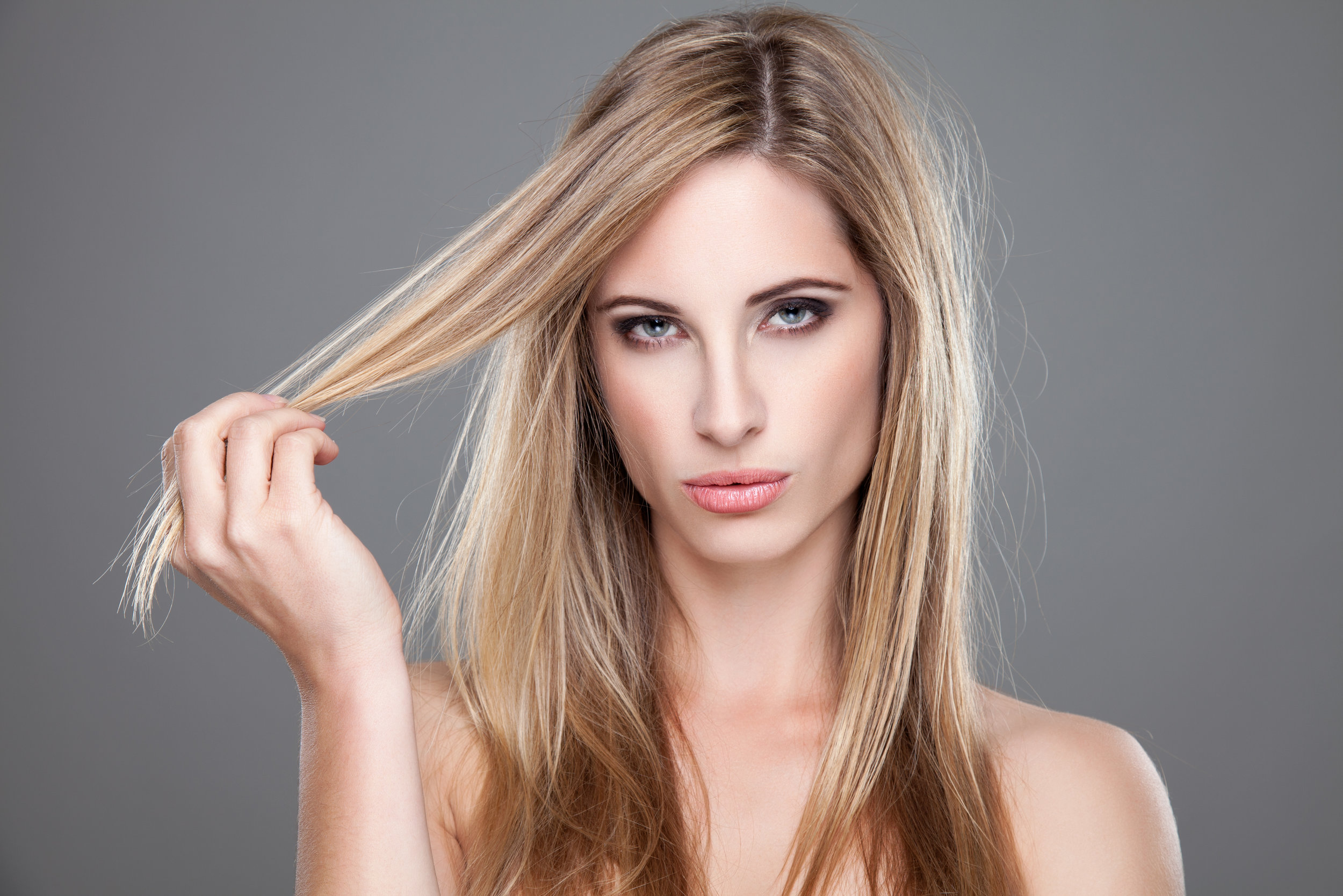 Partial highlight - For a client who likes to have dimension of light and or dark around the face hairline on the part and colic. Maybe you had a full highlight already and need to get your color freshened. The partial is your service.*Prices start at $75
