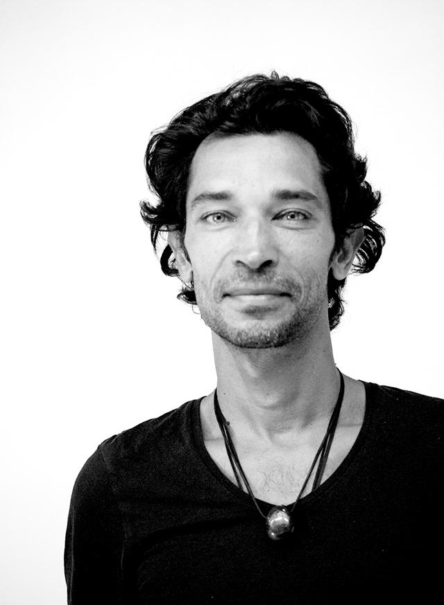 Stéphane Colliège  Co-fondateur ADITYAM  Professeur de YOGA, Herboriste, Organisateur de séjour Bien-être