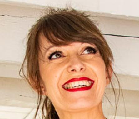 Laetitia Lescher  Fondatrice d'IntuitiveSphere  Arthérapie - Conduite du Changement - Mentoring - Pleine conscience