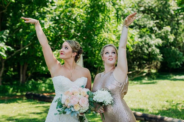 Annnnnd strike a pose! Fashionista friends help you to lighten up and have a little fun in life. Hope everyone can find someone that makes their life more amusing!⠀⠀⠀⠀⠀⠀⠀⠀⠀ .⠀⠀⠀⠀⠀⠀⠀⠀⠀ Photo:@libbymcgowanphotography⠀⠀⠀⠀⠀⠀⠀⠀⠀ Beauty:@julierobbinsmakeup⠀⠀⠀⠀⠀⠀⠀⠀⠀ Florist:@beyondpetalsflorist⠀⠀⠀⠀⠀⠀⠀⠀⠀ .⠀⠀⠀ ⠀⠀⠀⠀⠀⠀ ⠀⠀⠀⠀⠀⠀ #harmonyweddings #harmonyweddingsevents #ncweddings #raleighweddings