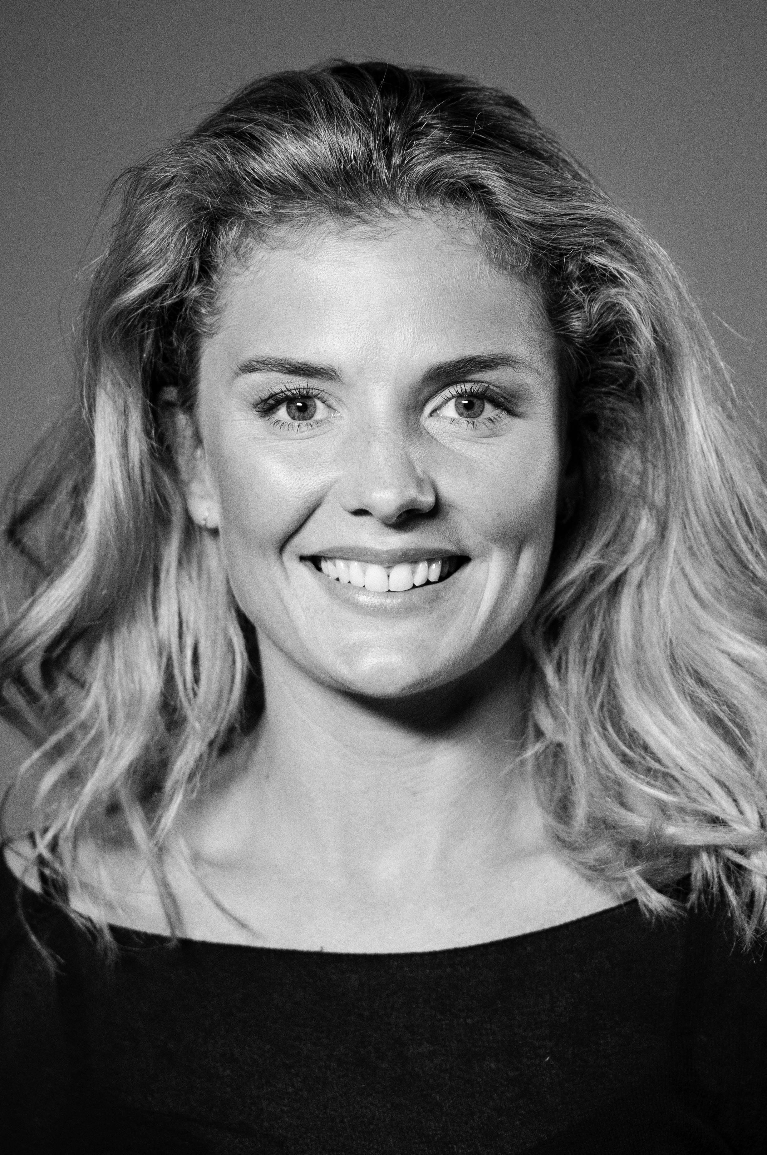 Nina Maria Schjødt Lybæk-Hansen  Den mellemste Sanne
