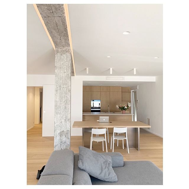* Interiors * Design by @studio_itinerante . . . #studioitinerante #architetto #arredocasa  #arredamento #interni #interiordesign #interiordesigner #interiorstyle #interiorstyling #interiorstylist #homedecor #homedesign #interiordecor #furnituredesign #tablesetting #foodstyling #props #architettura #designblog #designblogger #interiorblogger #interiorblog #homeblog #homeblogger #architettoroma #architettomilano #interiordesignmilano #interiordesignroma #slowlife #slowliving
