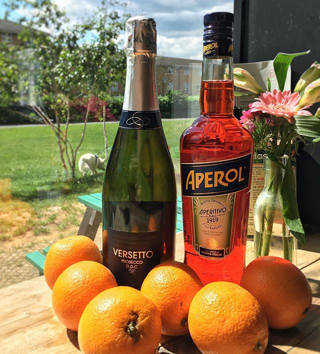 This Friday night Peckham's going all out: 🍊2for1 Aperol Spritz 7-9pm 🔊DJs @oakzar @d0zn_ all night 🍹Outdoor Aperol Spritz bar 🏓Beer pong 🍕Free pizza slices throughout the night 🍻Local beer  See you there 🕺💃 . . . . . . . . #londoncheapeats #upbsummer #sygsummer #peckhamrye #canalwalk #aperolspritz #aperol #cheapcocktails #whatsonpeckham #peckhamevents #freshoranges #prosecco #timeoutlondonfood #pizza🍕 #napolipizza #pizzanapoli #pizzaparty #ldncheapeats #toplondonrestaurants #veganpizza #livedj #djset #northernsoul #rnbdj #fingerlickinggood #pizzalife #italianparty