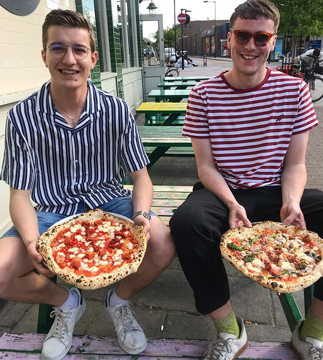 Look at our pizza babes, they love a stripey number. Come down tonight, we got them perfect looking leopard crusts on lock 🔐 🍕 . . . . . . . . . #whereswally #neapolitanpizza #hackneyfood #hackneypizza #upbsummer #wellstreetpizza #wellstreet #ldncheapeats #hackneyfood #fingerlickinggood #chorizo #leopardcrust #chilli #spicypizza #pizzababes #pizzasunday #foodporn #forkyeah #pizzagate #pizzatime #woodfiredpizza #woodfiredoven #napolipizza #caio #italianfood #napolipizza