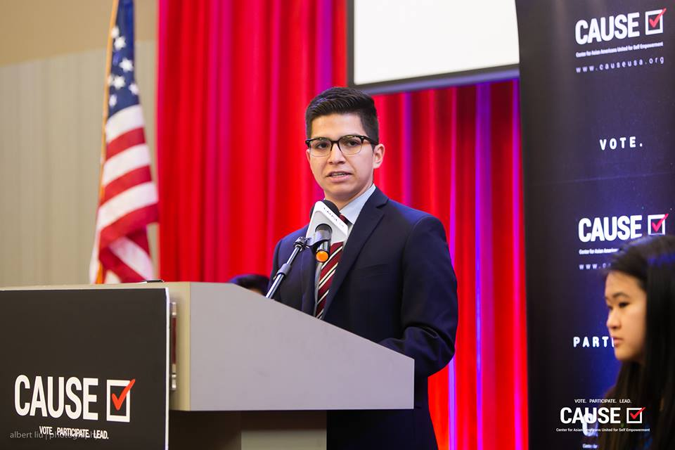 Edwin Saucedo speaks at the 2018 CAUSE Leadership Academy Graduation