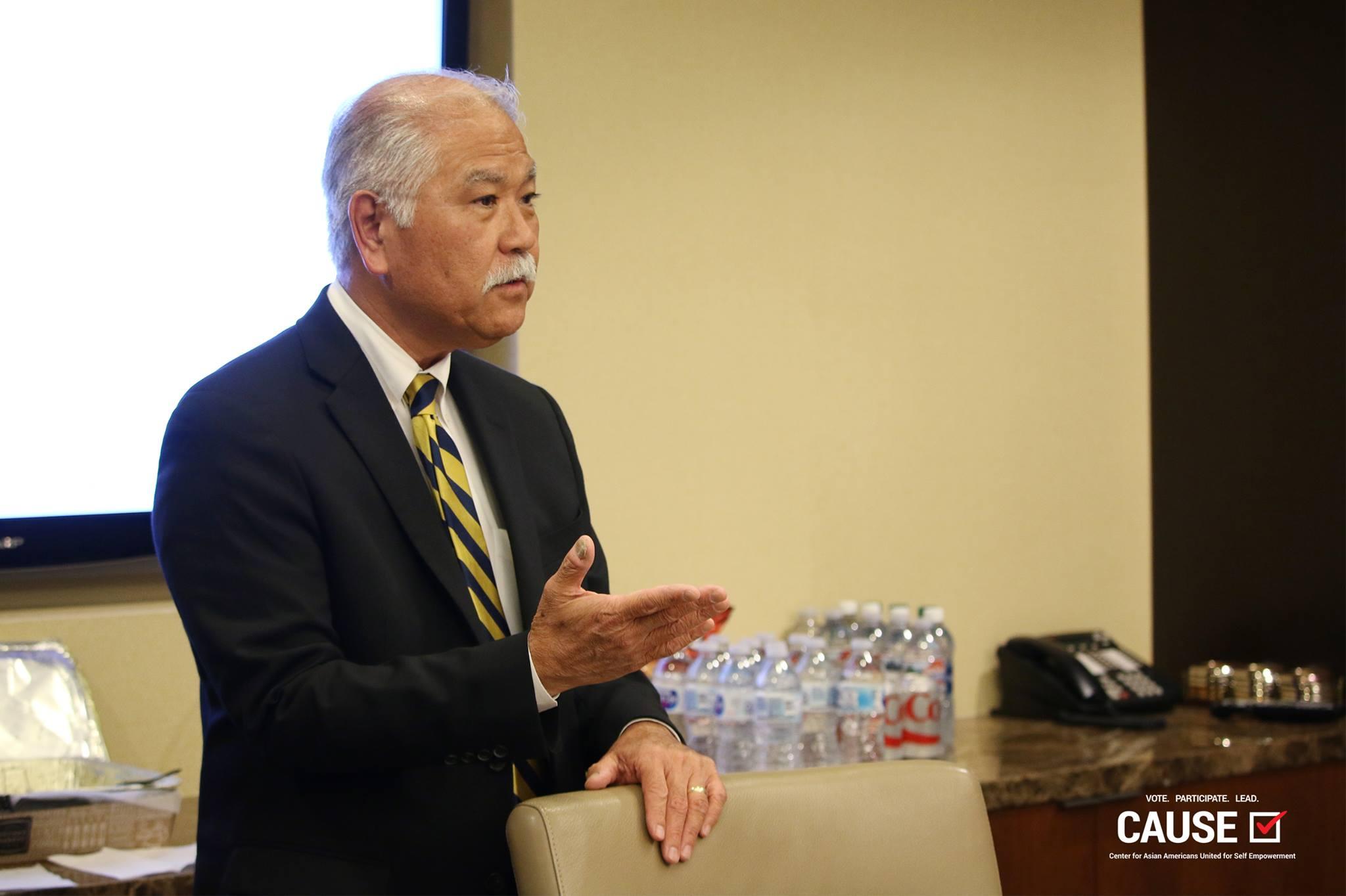 Gary Arakawa speaking to the 2017 Veterans Initiative fellows