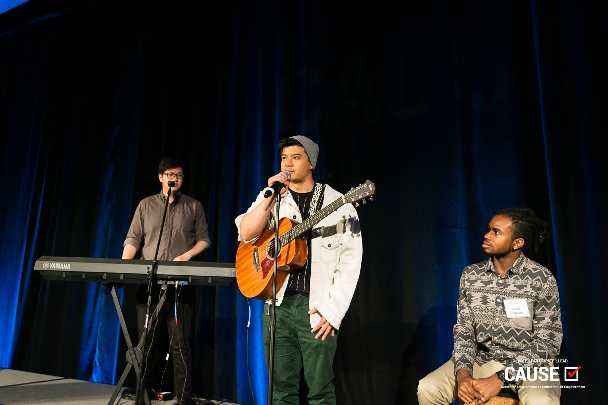 Leo Xia performing at the 2019 CAUSE Annual Gala