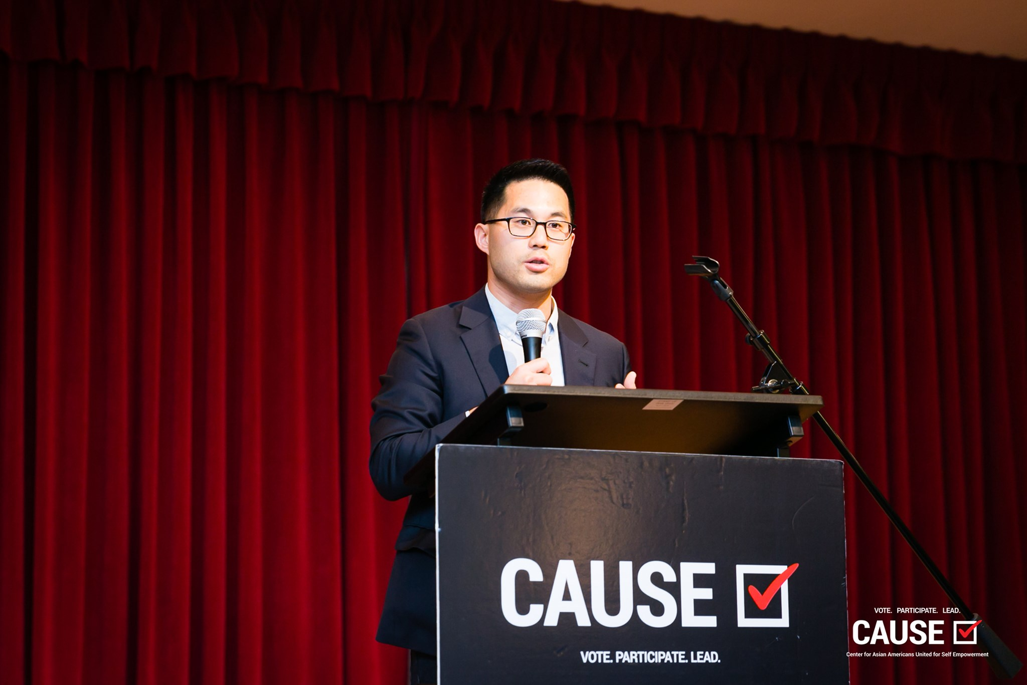 Thomas Wong speaking at the 2019 CAUSE Leadership Institute Graduation