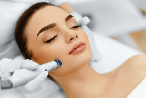 Microdermabrasion Highlights - * Softens fine lines and wrinkles* Smooths the texture of coarse skin* Unclogs and minimizes the appearance of pores