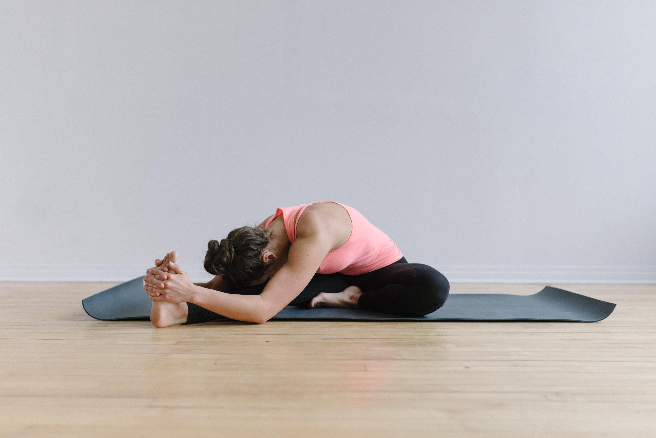 Sam+D+Squire+_+Yoga+_+Meditation+_+Splits+_+Yoga+Pose+_+Yoga+Sequence+_+At-Home+Yoga (5).jpeg
