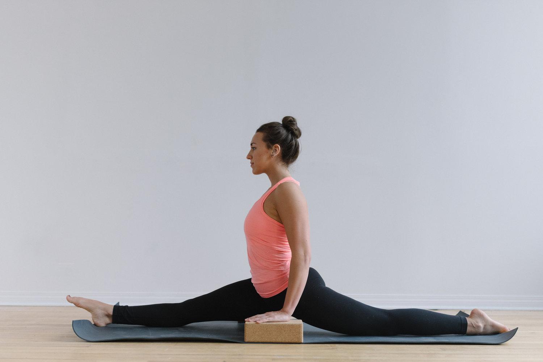 Sam+D+Squire+_+Yoga+_+Meditation+_+Splits+_+Yoga+Pose+_+Yoga+Sequence+_+At-Home+Yoga (9).jpeg