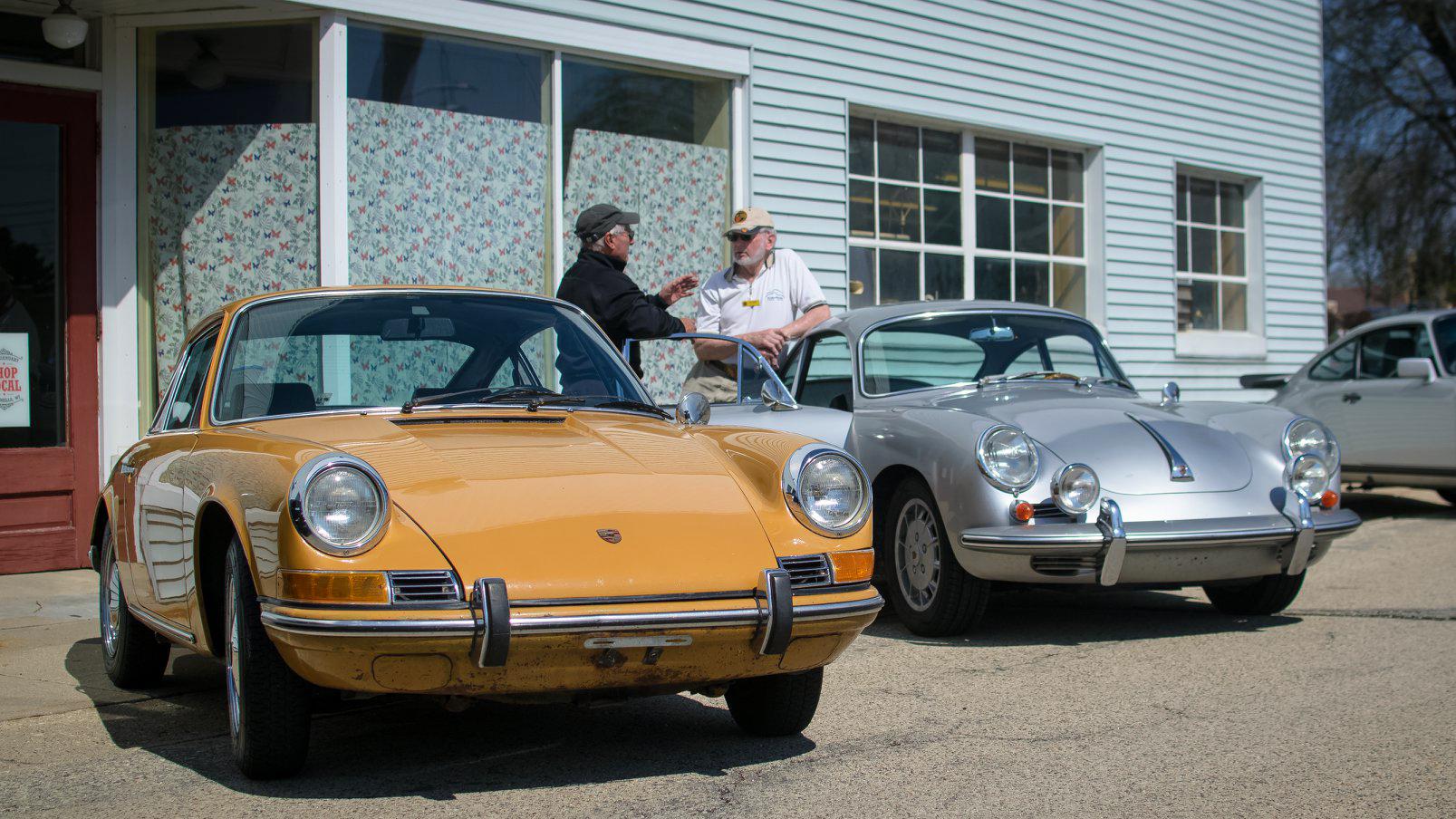 Cars-and-Coffee-54.jpg