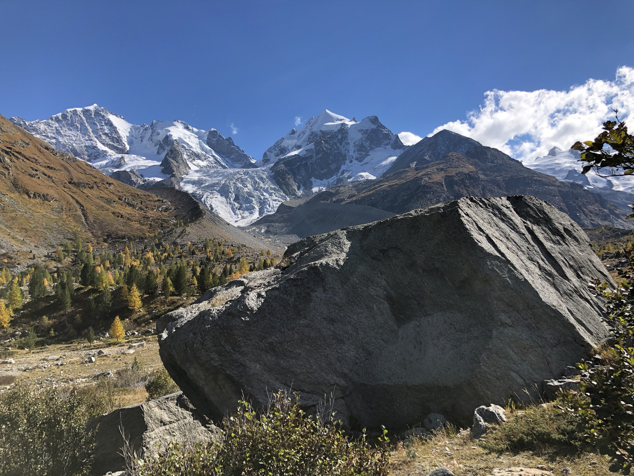 Val Roseg mit Blick auf Piz Bernina und Piz Roseg (Foto © Tom Pellny)