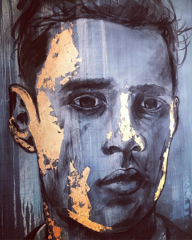 """On of the few pieces left from last year. """"Golden Boy"""" 2018, charcoal and gold leaf, 760 x 910 mm. Prices on my website.  • #originalart #originalpainting #portrait #model #portraitart #eyes #emotion #face #portraitpainting #portraitartist #oilpainting #oiloncanvas #oiloncanvaspainting #fineart #contemporaryart #painting #dramaticart #emotionalart #contemporaryexpressionism #expressionism #southafricanart #southafricanartist #expressionistart #youngandupcomingartist #naturalcolours #earthy #earthytones #earthydecor"""