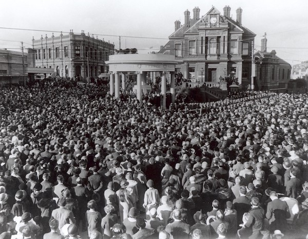 Unveiling of the Kew War Memorial, 1925. Sears Studio. Courtesy: Kew Historical Society