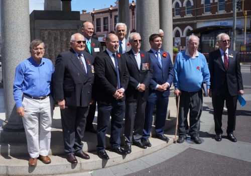 Kew Rotarians; the Hon Josh Frydenberg MP; Tim Smith, Member for Kew; and local dignitaries acknowledging the centenary of Armistice Day at the Kew Memorial and Cenotaph on Sunday, 11 November 2018