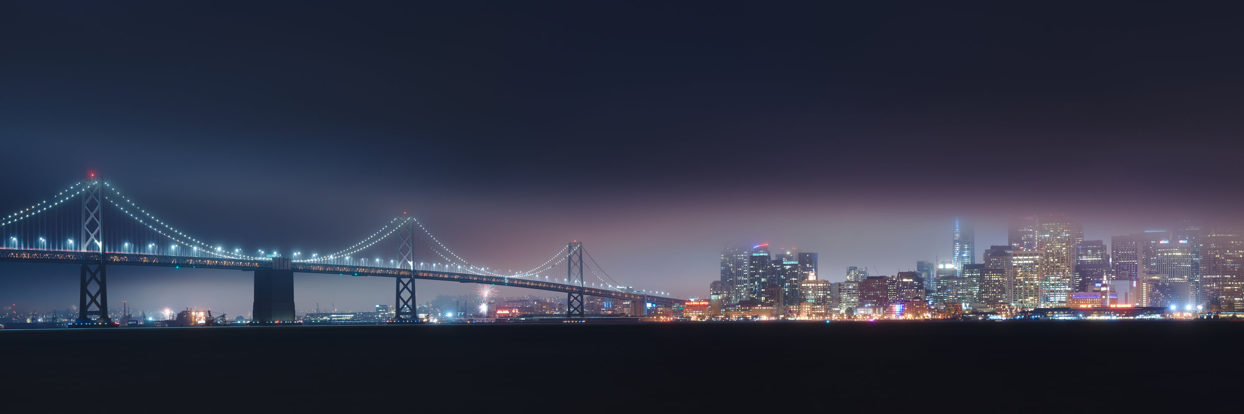 San_Francisco_skyline_on_a_foggy_4th_of_July_night.jpg