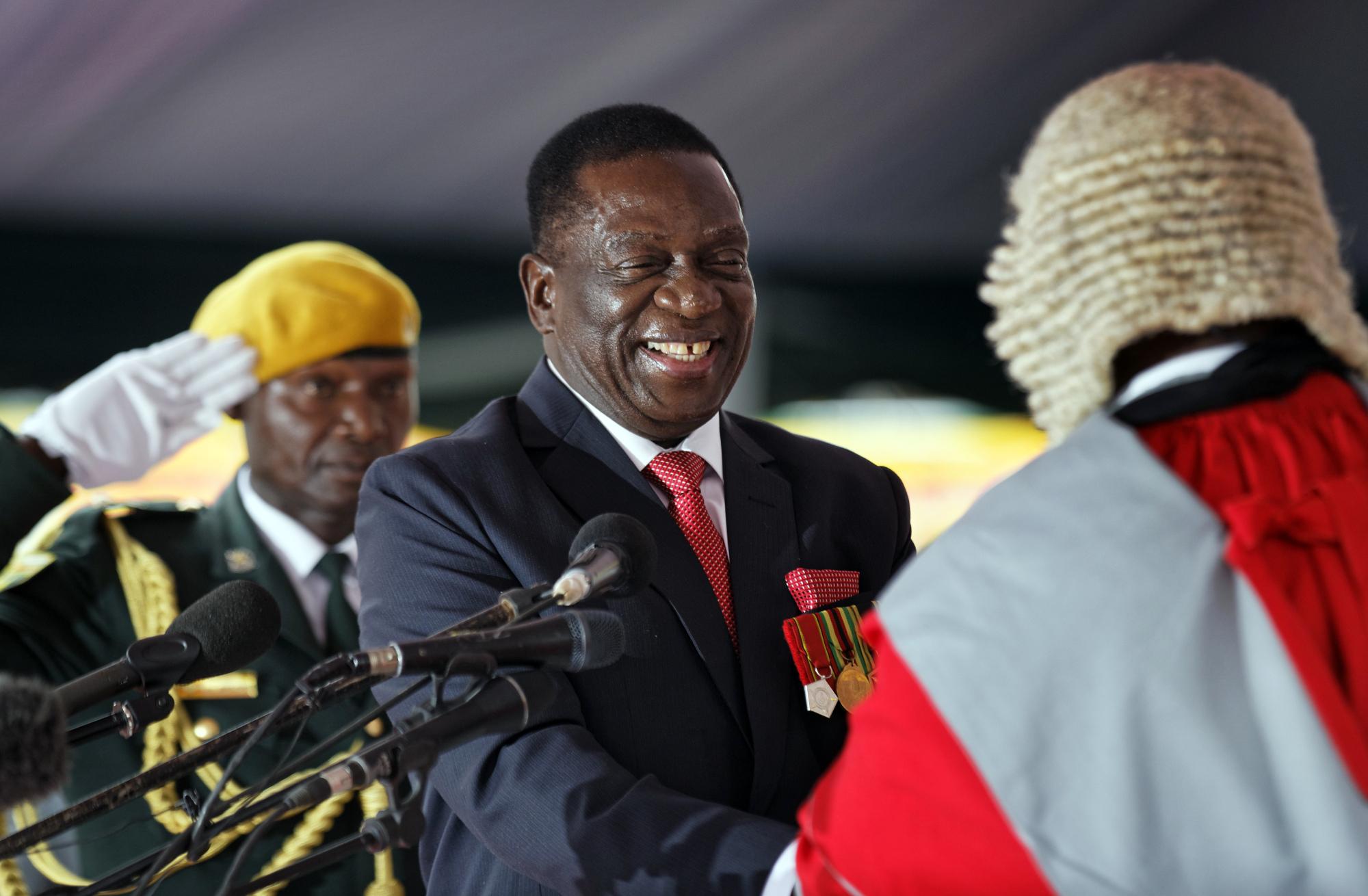 f-zimbab-a-20171125.jpg