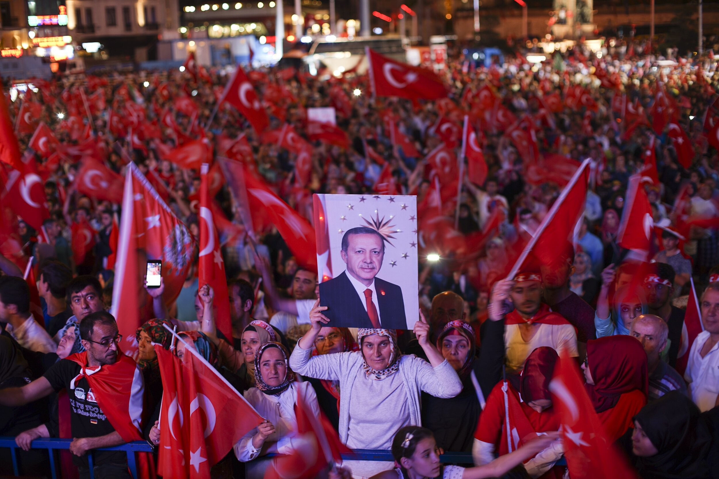 After_coup_nightly_demonstartion_of_president_Erdogan_supporters._Istanbul_Turkey_Eastern_Europe_and_Western_Asia._22_July2016.jpg