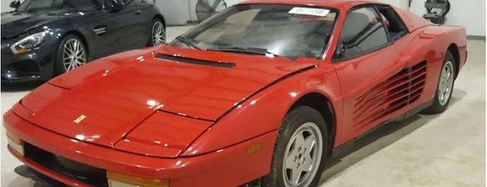 Store-salvage-Title-Ferrari-Testarossa-with-aaaa-auto-storage-1.jpg