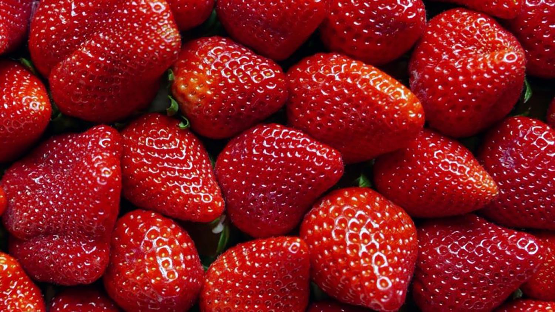 strawberry banner.jpg