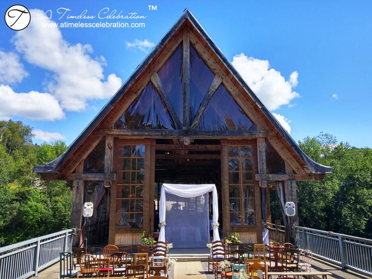 Le Pont Couvert rustic wedding mont tremblant montreal.jpg