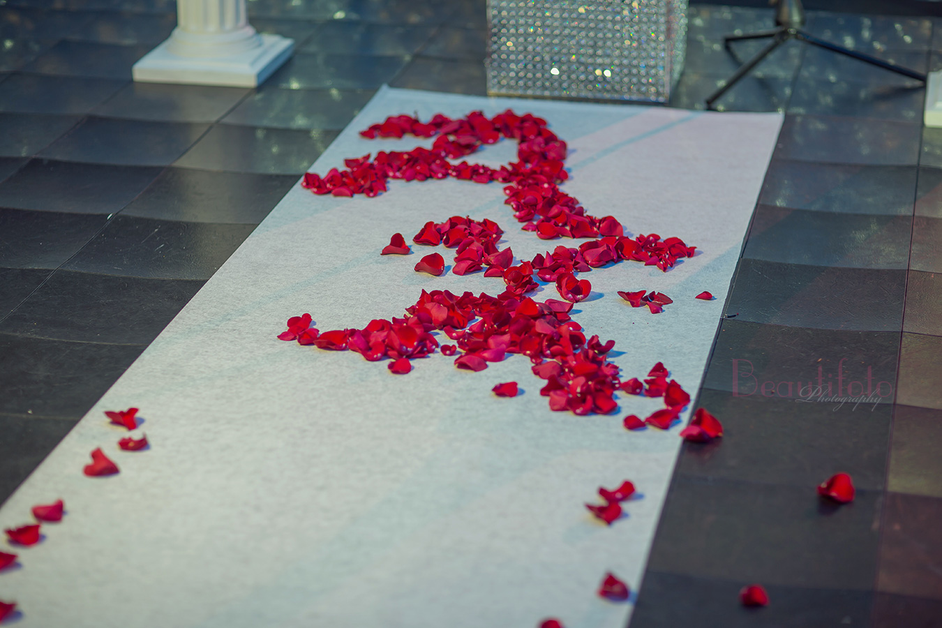 wedding ceremony aisle runner le mont blanc laval montreal