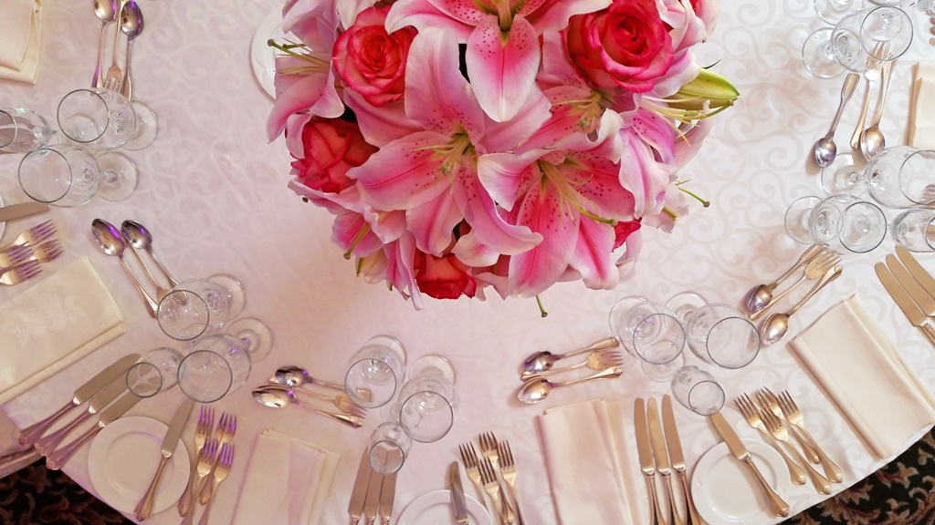 Pink Lilies Flower Centerpiece Chateau Vaudreuil Wedding Reception Montreal Bouquet
