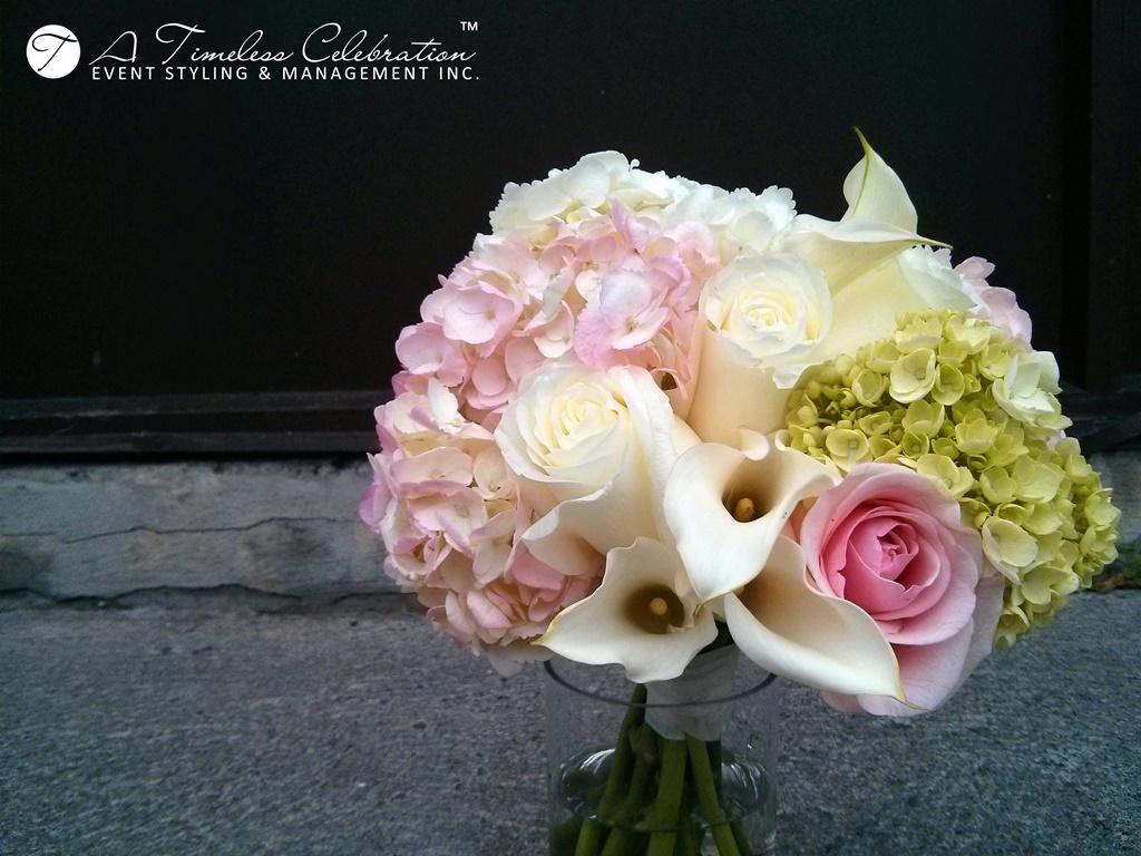 Montreal-Wedding-Flower-Bouquet-Floral-Decoration-LAmbroisie-Restaurant-IMG_20130914_165636.jpg
