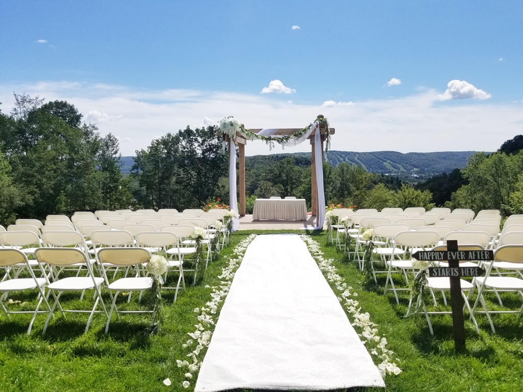 Montreal Outdoor Wedding Ceremony Rustic Flower Details Decorations Rentals Hotel Spa Mont Gabriel