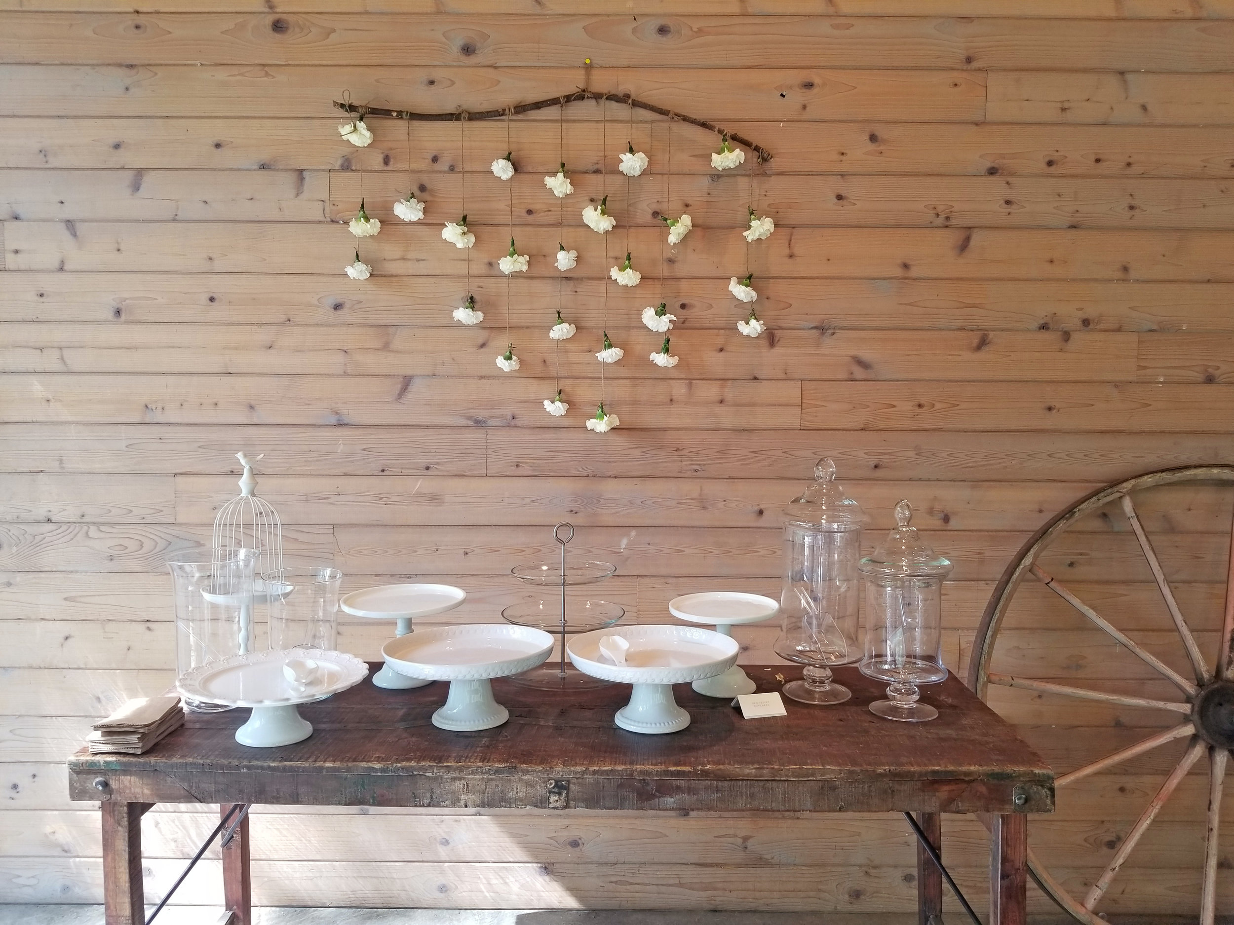 Natural Organic Montreal Wedding Pointe du Moulin Florist Flowers 20180819_153855.jpg