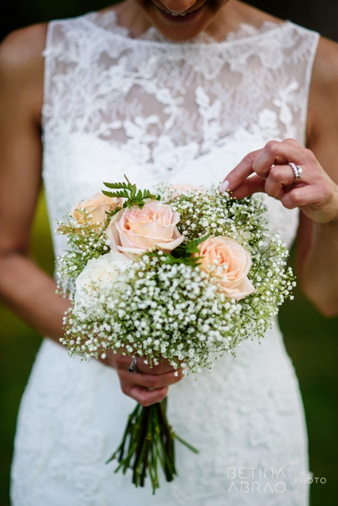 Peach Rustic Wedding at Elm Ridge Golf & Country Club Ile Bizard Montreal Baby's Breath Bridal Bouquet N+J04.jpg