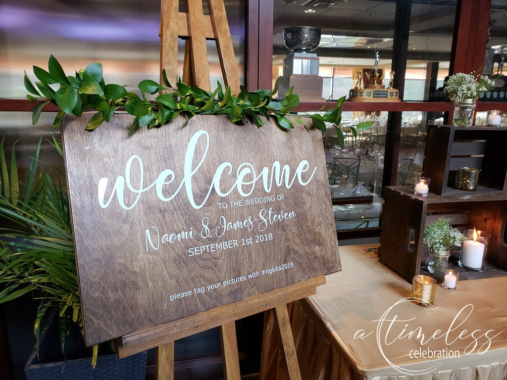 Peach Rustic Wedding at Elm Ridge Golf & Country Club Ile Bizard Montreal Personalized Wooden Welcome Sign 20180901_160540.jpg
