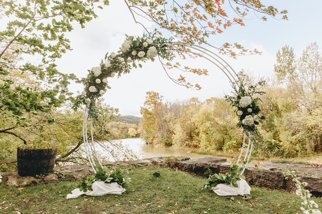 Outdoor Wedding Ceremony Circle Arch Organic Natural Garden Wedding | Montreal A Timeless Celebration