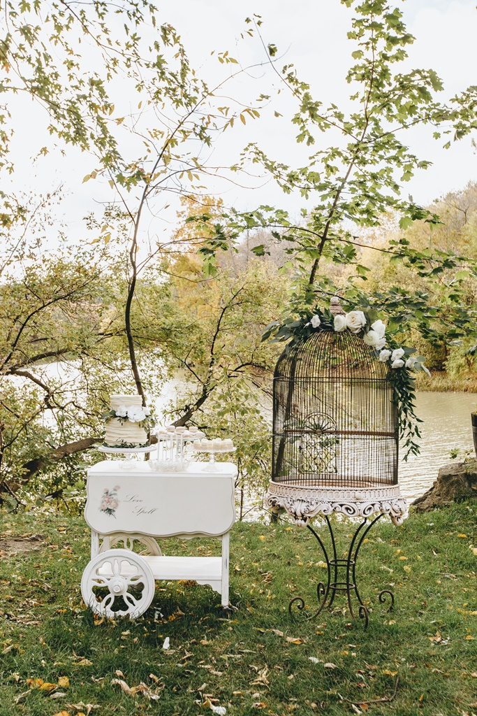Outdoor Wedding Sweet Table Tea Cart Giant Bird Cage Garden Theme Wedding | Montreal A Timeless Celebration