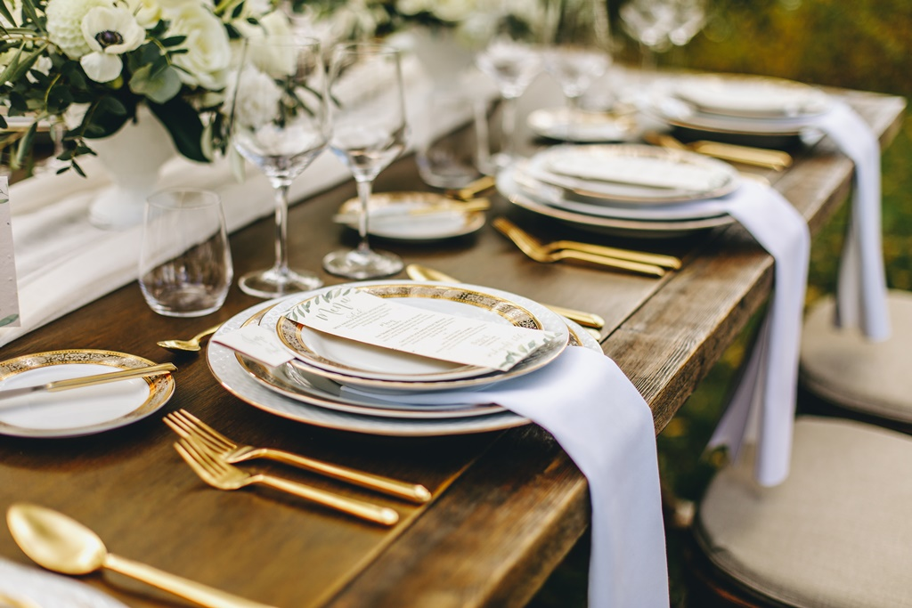 Outdoor Garden Natural Organic Theme Wedding w/ Gold Accents | Montreal A Timeless Celebration