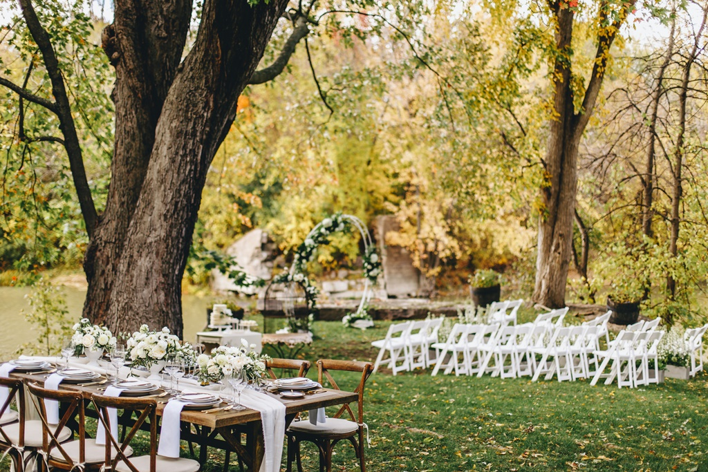 Outdoor Garden Themed Wedding Ceremony & Reception | Montreal A Timeless Celebration