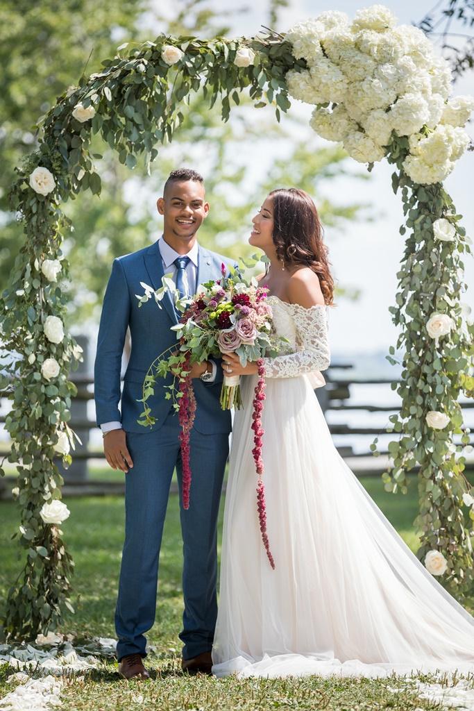 Natural Organic Montreal Wedding Pointe du Moulin Florist Flowers 20180819_154034.jpg