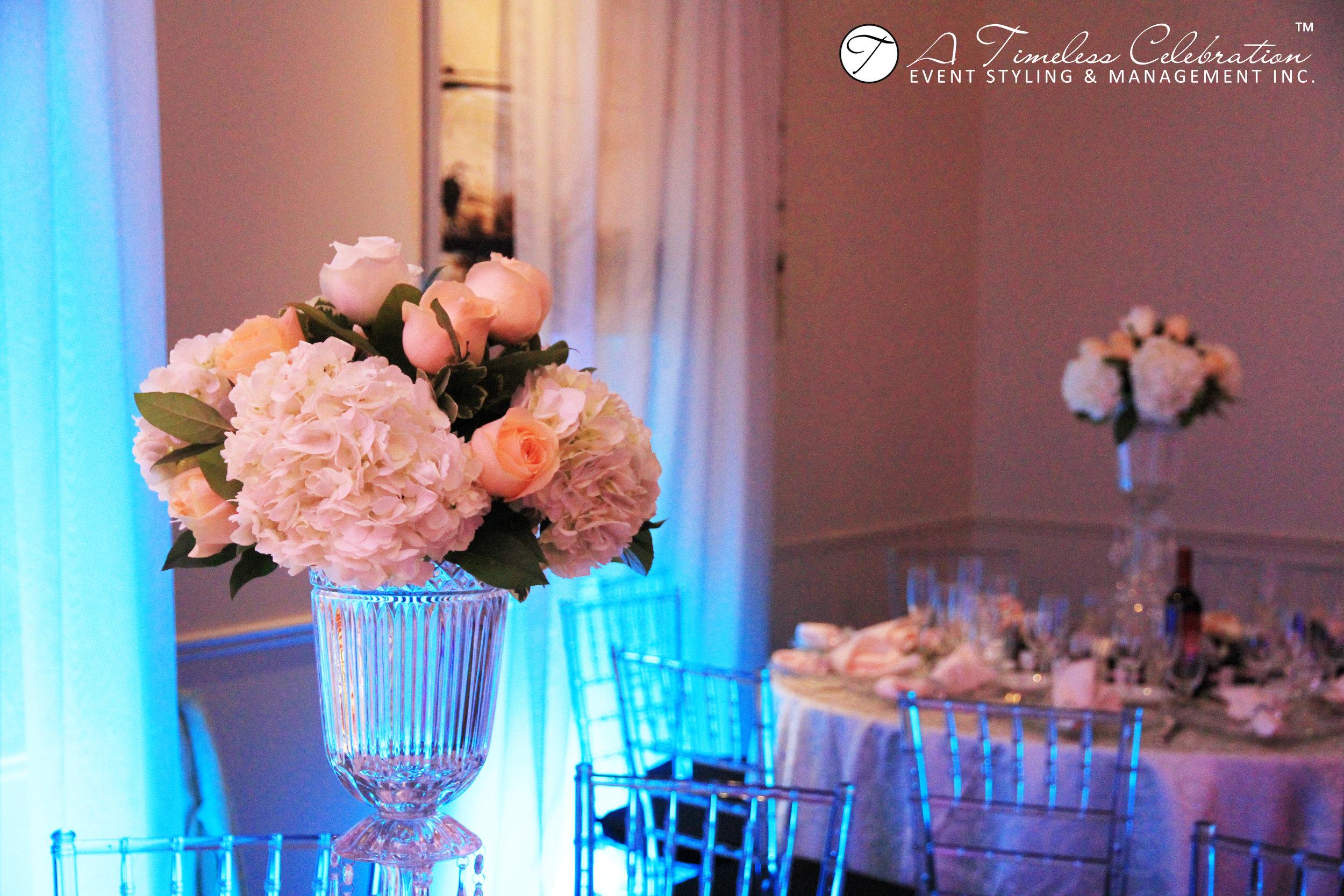 montreal wedding florist luxury wedding fresh flower arrangements.JPG