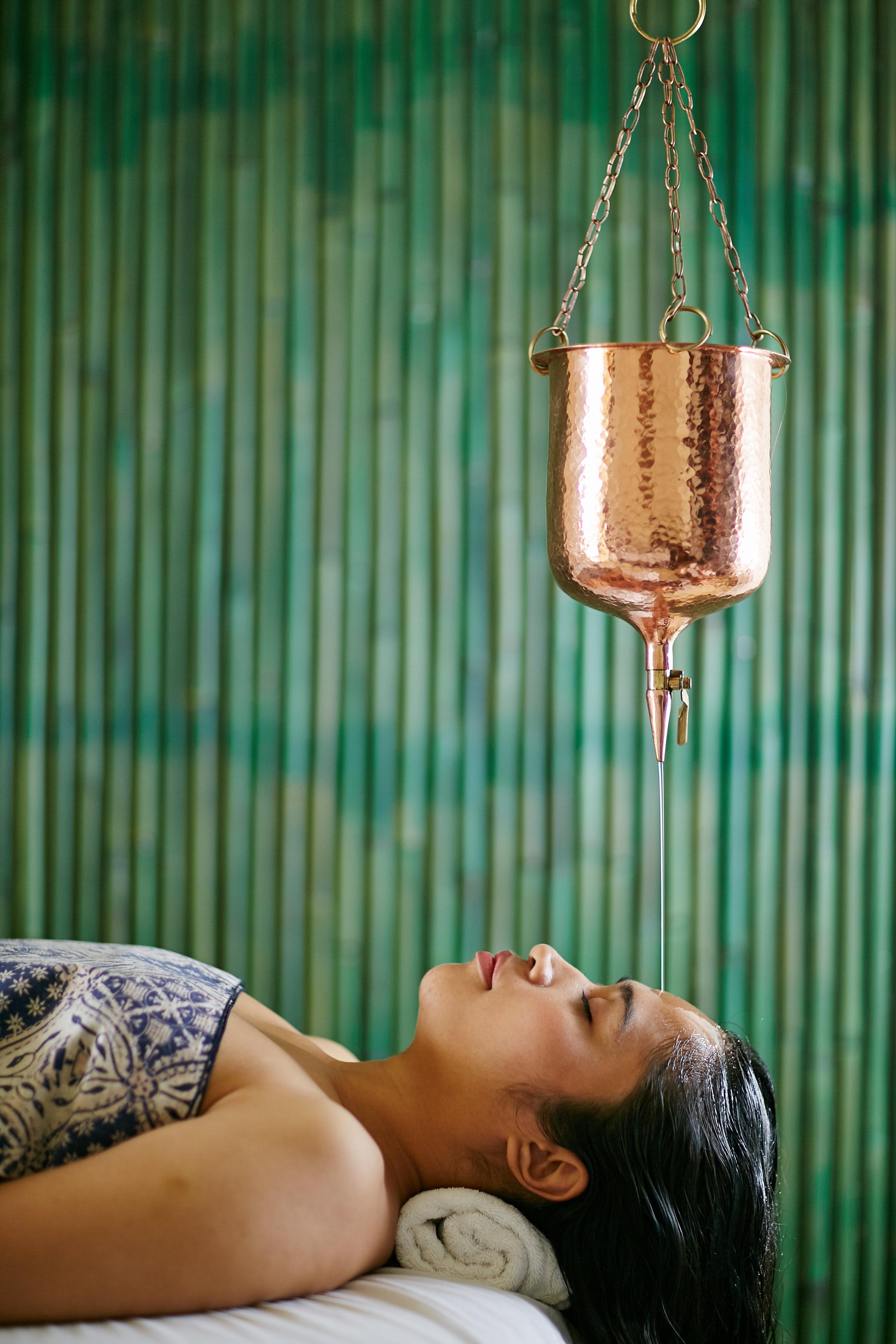 Alila Manggis - Alila Experiences - Balinese Healing Treatment 01.jpg