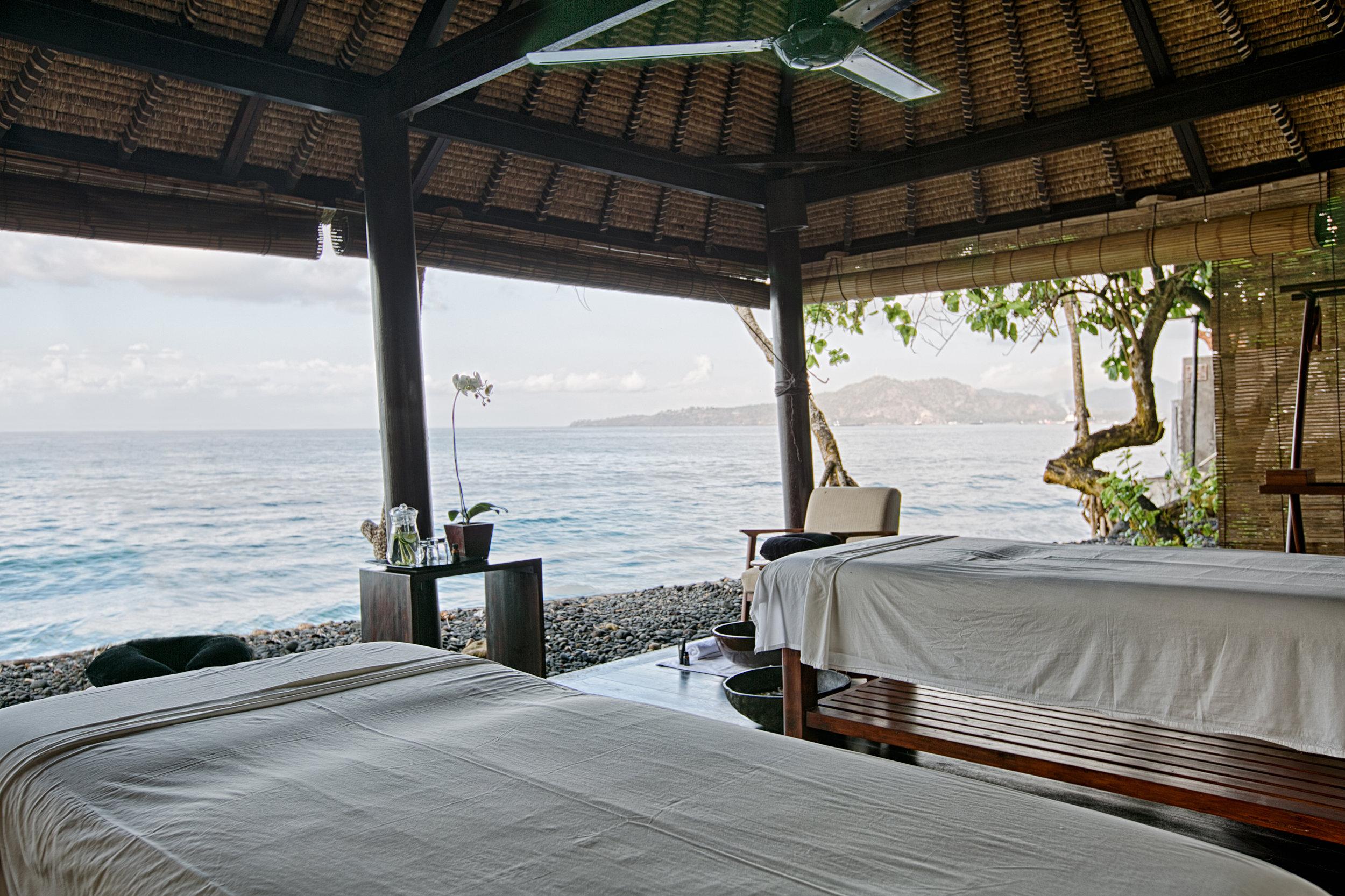 Alila Manggis - Alila Experiences - Balinese Healing Treatment 02.jpg