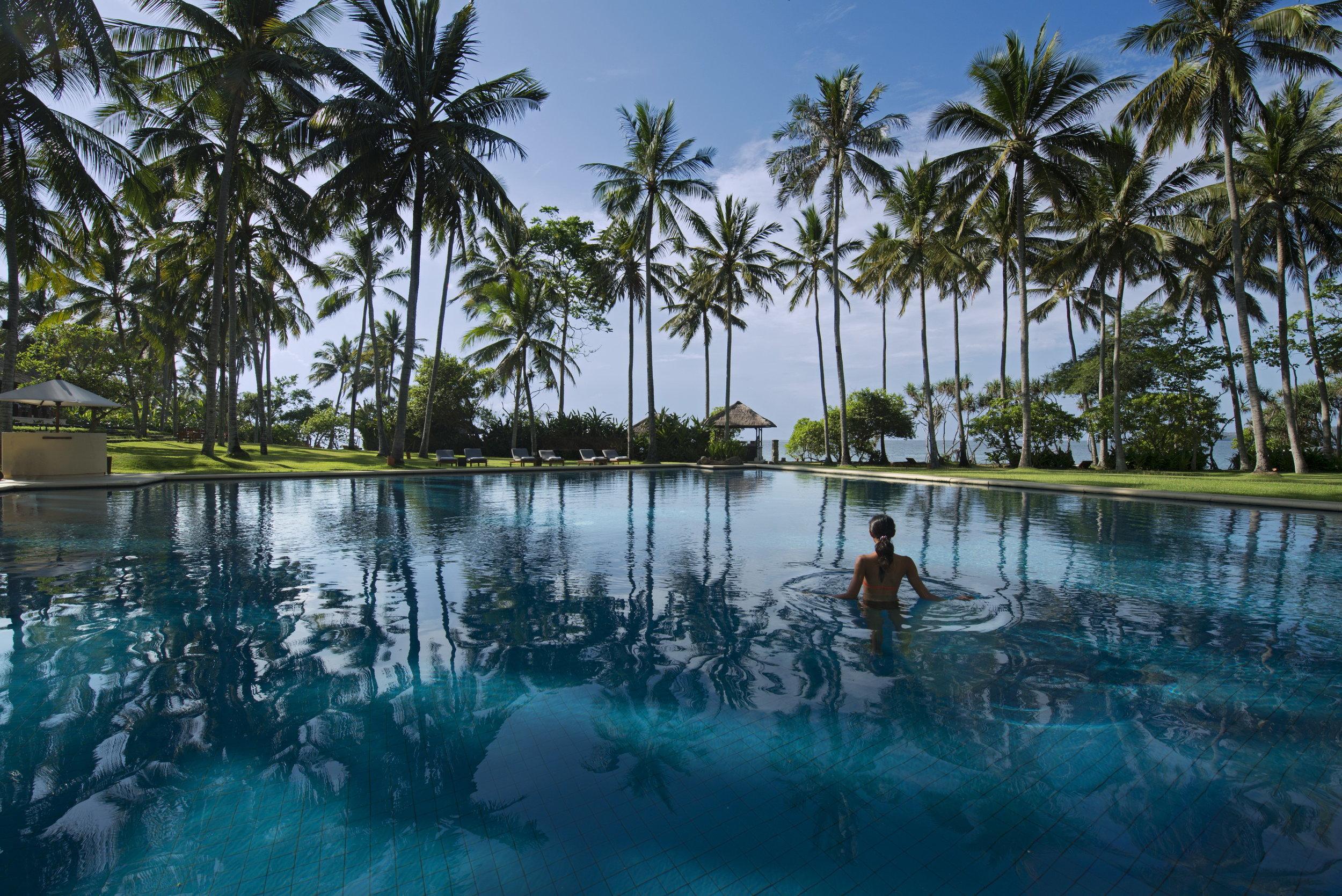 Alila Manggis - Exterior - Pool by day 02.jpg