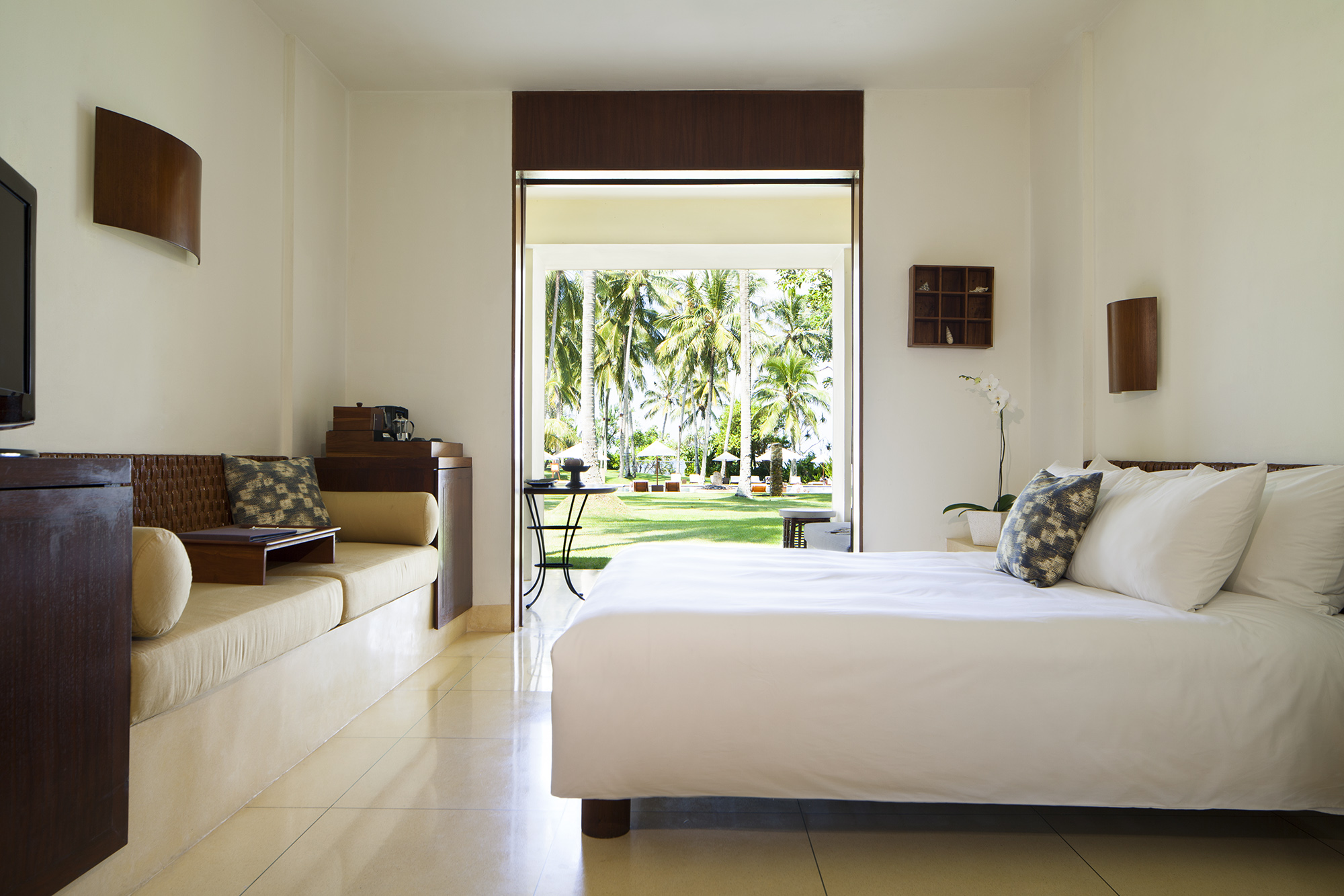 Alila Manggis - Accommodation - Superior Room 02.jpg