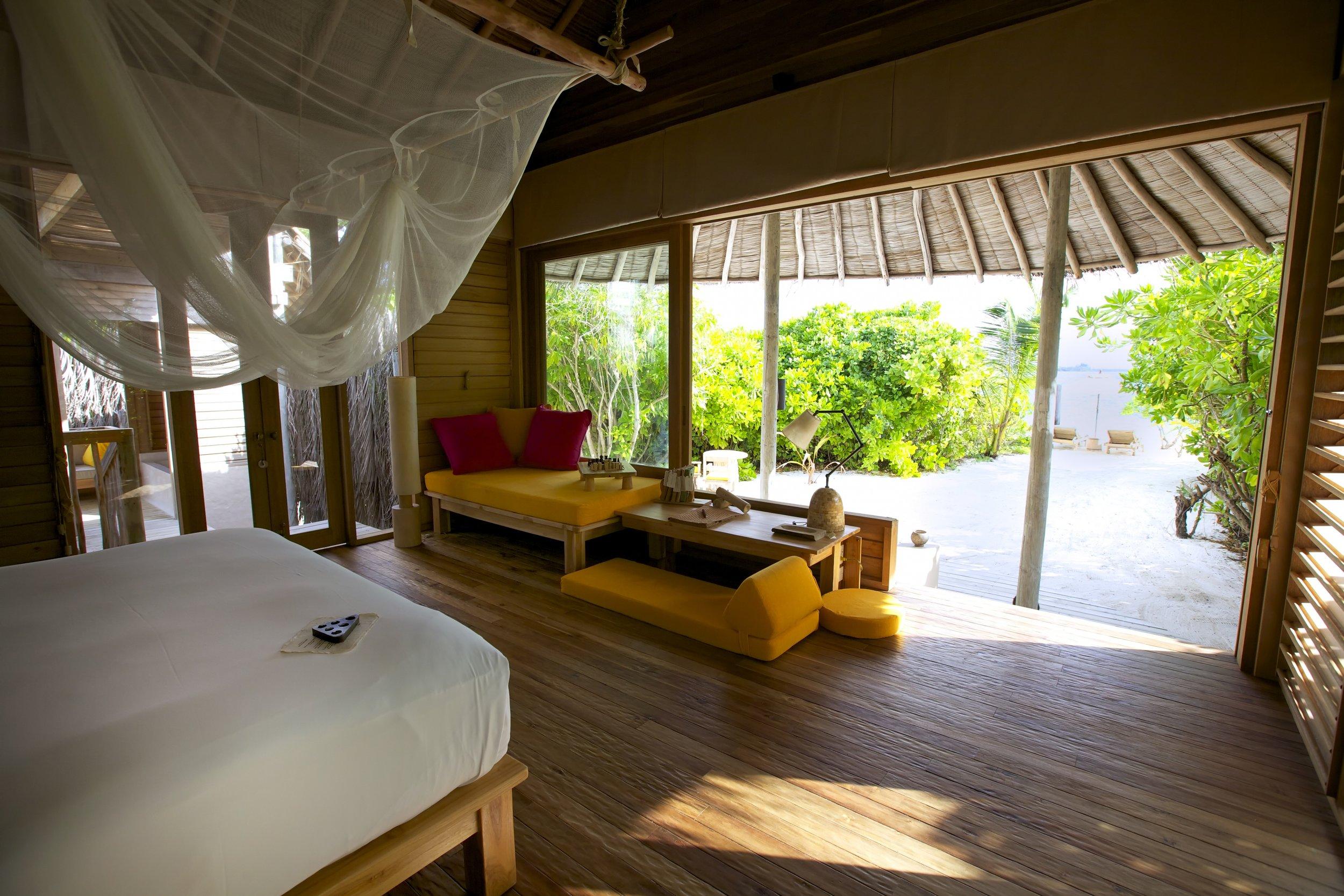Beach_Villa_bedroom_[5494-A4].jpg